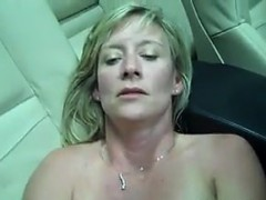 Mature Woman Toying With Her Loose Pussy