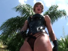 Femdom Blonde Dressed In Leather