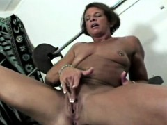 Black Workout MOM rubbing cunt