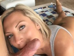Older darling loves getting her anal stuffed with sex toy