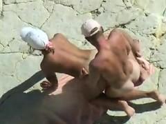 Intercourse was caught by voyeur cam in the beach