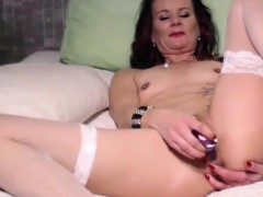 Beauty hot mature pussy toying