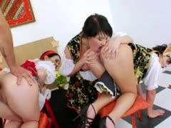 Three russian anal lezzies dildoing