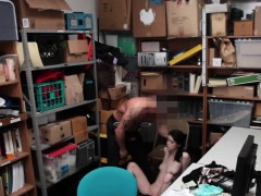 Amateur thief sucks dick