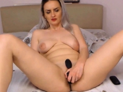Curvy Big Ass Mom Loves Anal And Pussy Play
