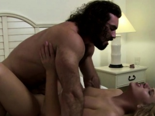 Shemale Aspen gets asshole fucked by hunk muscle Jaxton