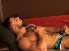 Muscle Bodybuilder Handjob And Cumshot