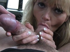 Huge tittied blonde banged in taxi